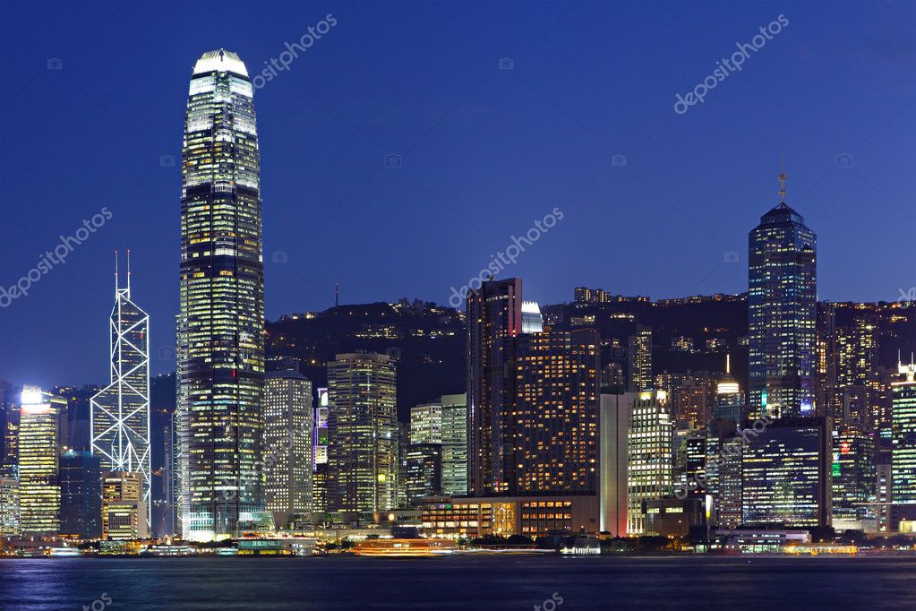 Night scene of cityscape in Hong Kong — Stock Photo #8077663