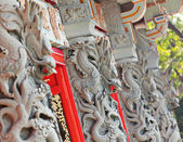 Dragon statue in temple — Stok fotoğraf