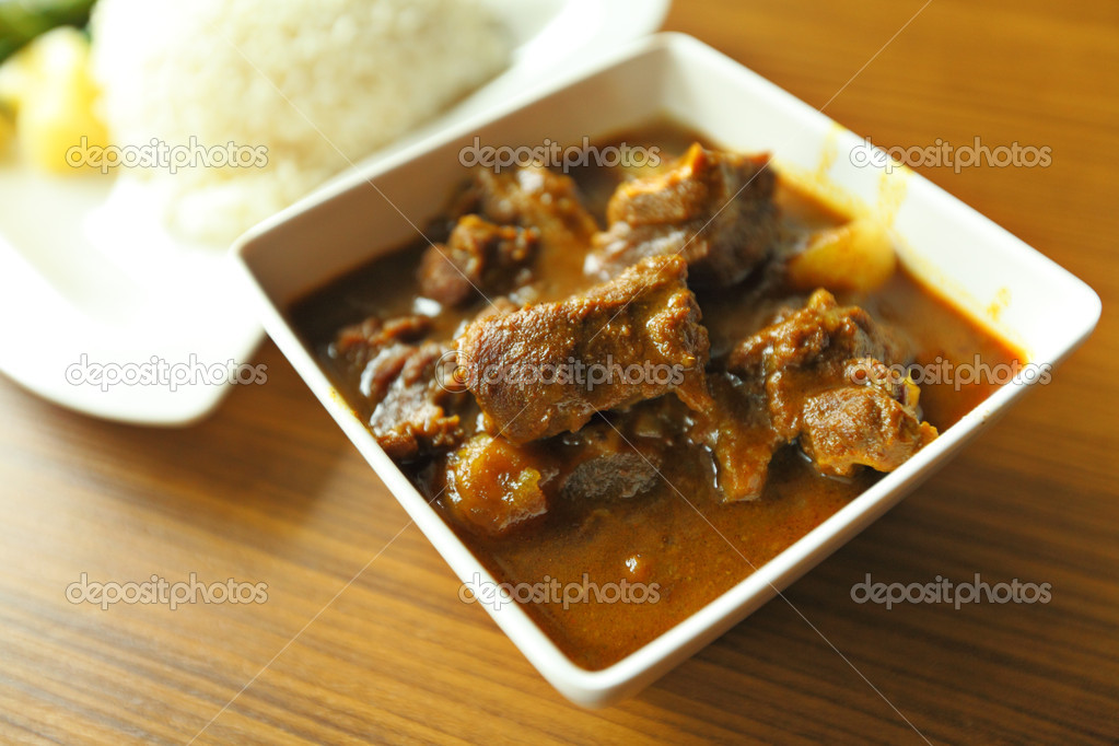 Meat curry with rice — Stock Photo #9777597