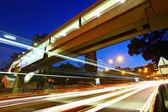 Urbano da cidade com luz do carro — Foto Stock