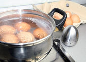 Boiling eggs — Stock Photo