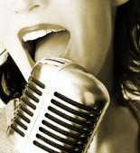 レトロな歌手 — ストック写真