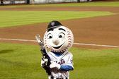 Mr. Mets with T-Shirt gun — Stock Photo
