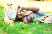 Mujer joven feliz — Foto de Stock