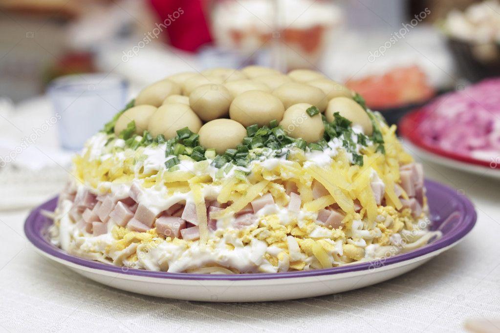 Салат с ветчиной и грибами как в ташире