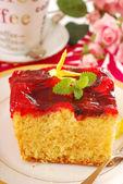 Yogurt cake with fruit jelly — Stock Photo