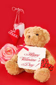 Valentine`s greetings from teddy bear — 图库照片
