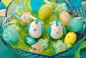 Bowl with easter decoration — Stock Photo