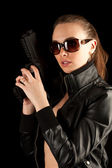 Silahlı seksi kadın — Stok fotoğraf