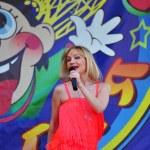 Russian pop star Tanya Bulanova — Stock Photo #9411987
