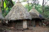 African huts, Ethiopia — Stock Photo