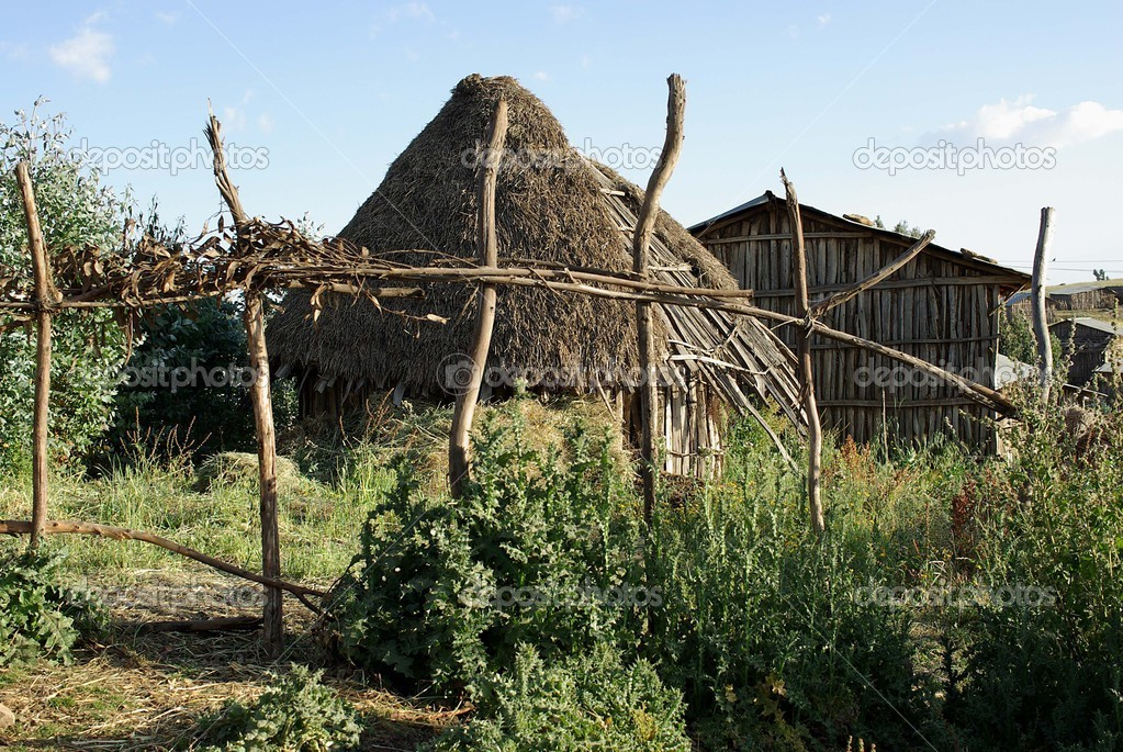 A traditional African hut in Ethiopia — Stock Photo #9210051