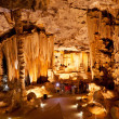 Tourists visiting Cango Caves in South Africa — Stock Photo