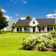 Countryside house — Stockfoto