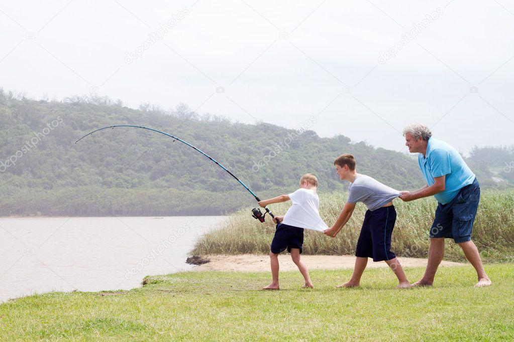 фото семейная рыбалка
