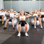 groep van training met fitness ballen — Stockfoto