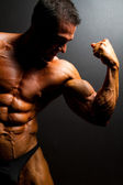 Muscular bodybuilder — Stock Photo
