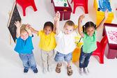 Junge vorschulkinder im klassenzimmer — Stockfoto