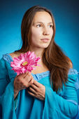 Medieval woman in a blue dress — Stock Photo