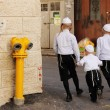 Child in the ultra-orthodox   area of Jerusalem - Mea Shearim — Stock Photo