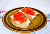 Red caviar sandwich — Foto de Stock