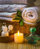 Spa with towels and candle — Fotografia Stock