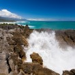 Surf in blowhole Pancake Rocks of Punakaiki, NZ — Stock Photo
