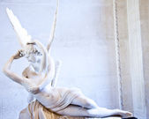Psyche revived by Cupid kiss — Stock Photo
