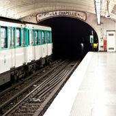 Paris Metro Station — Stock Photo