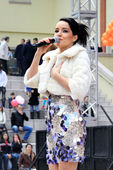 Güzel şarkıcı — Stok fotoğraf