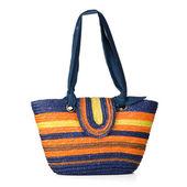 Wicker shoulder bag — Stock Photo