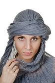 Mulher de estilo oriental no xaile — Fotografia Stock