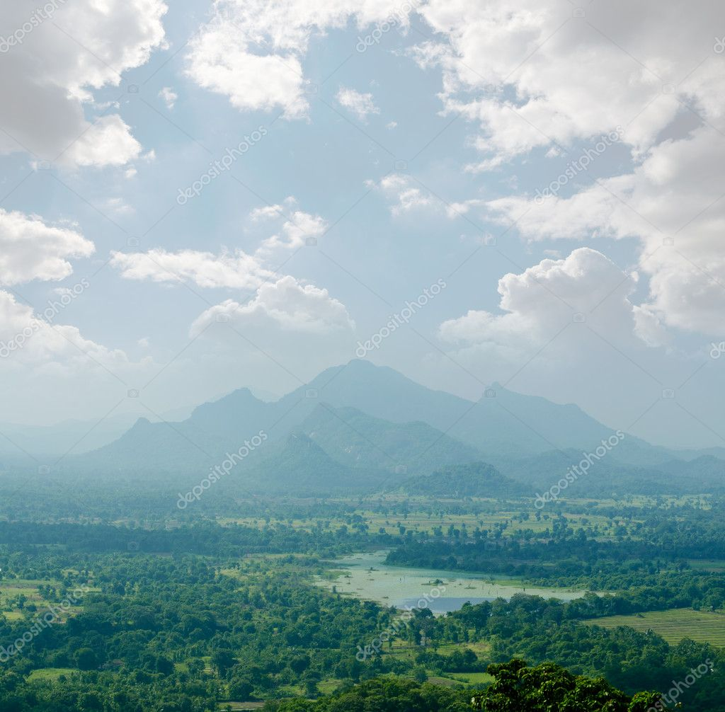Magical view of the tropical jungle in the central  Sri Lanka — Stock Photo #8419021