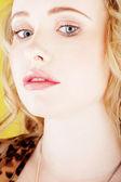 Primer retrato de mujer rubia — Foto de Stock