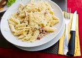 Pasta and chicken — Stock Photo