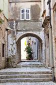 Narrow alley in Dubrovnik — Stock Photo