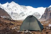 Camping under cho oyu - cho oyu base camp - nepal — Stock Photo