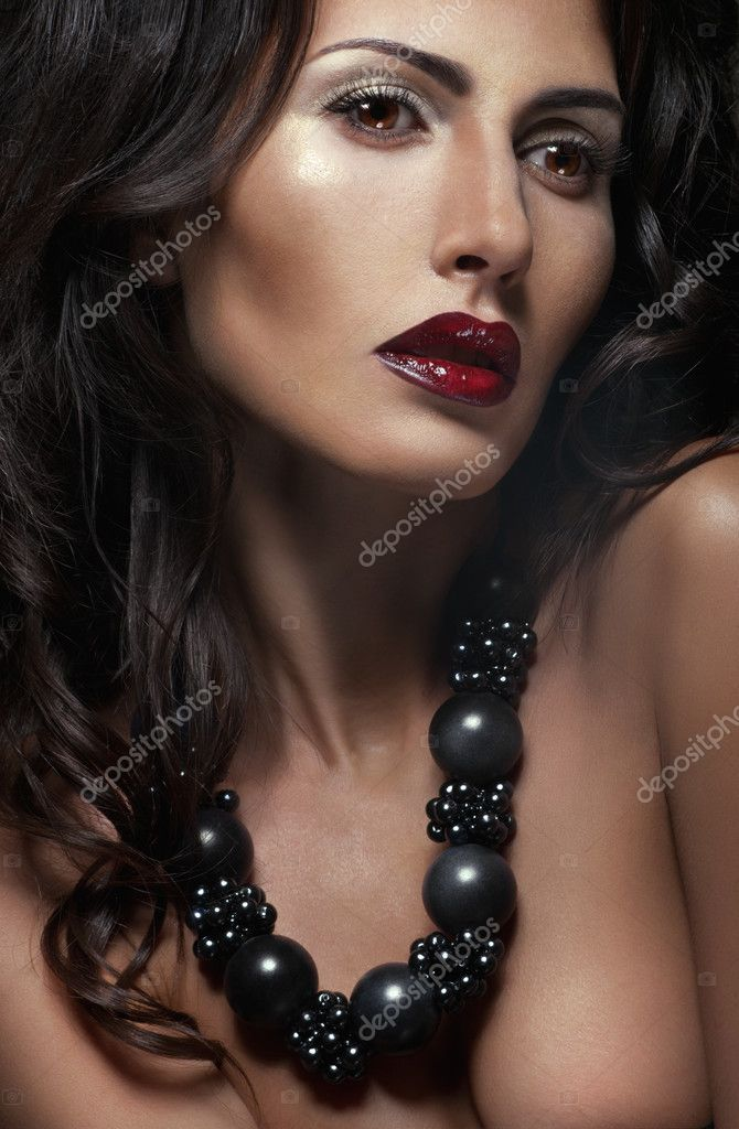 Beauty portrait of sexy woman — Stock Photo #10258103
