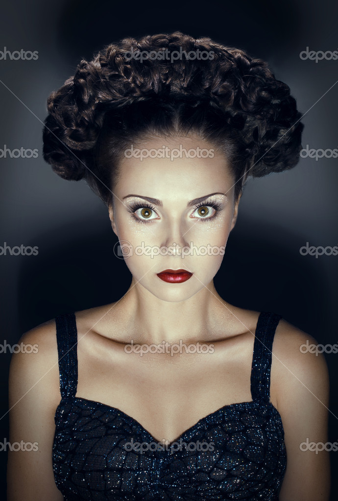 Studio portrait of gothic woman with hairstyle — Photo #10339428