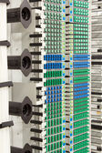 Grille optique de fibre à haute densité de connecteurs sc bleu et vert — Photo