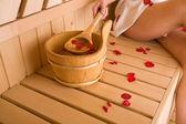 Femme et sauna — Photo
