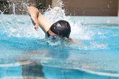 Natación con freestyle — Foto de Stock