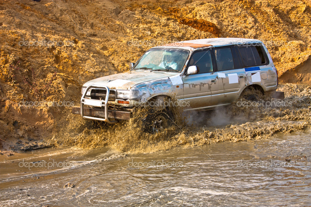Off roading thrill — Stock Photo #9090504