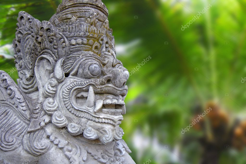 Decorated statue of traditional hindu god, Bali, Indonesia   Foto Stock #8364095