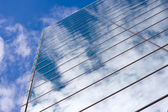 Moderna glas kontorsbyggnad — Stockfoto