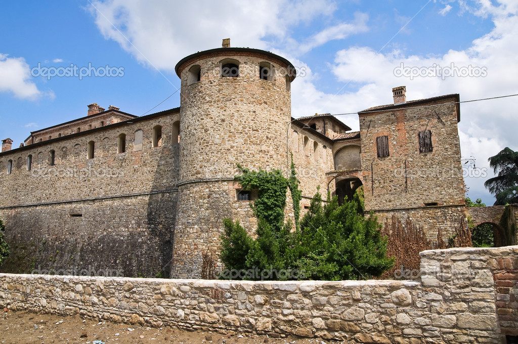 Castle of Agazzano. Emilia-Romagna. Italy. — Stock Photo #10207955