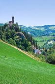 クロック タワー。ブリジゲッラ。エミリア = ロマーニャ州。イタリア. — ストック写真