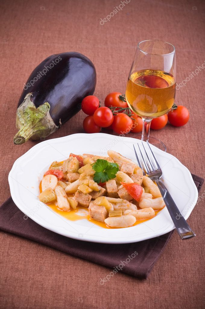 Cavatelli with swordfish and eggplant. — Stock Photo #10642056