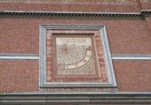 Sundial. Castell'arquato. Emilia-Romagna. Italy. — Stock Photo