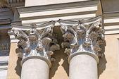 Colonnes de marbre. — Photo